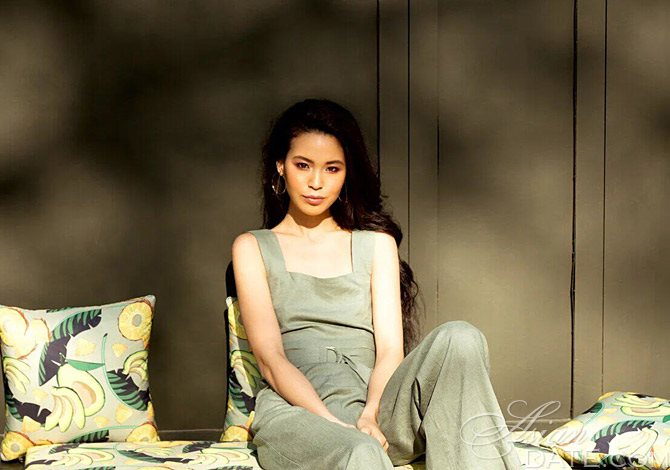 pic Asian girlfriend